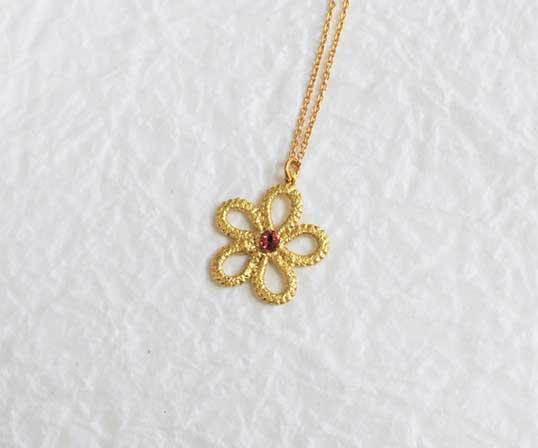 【逸品】<Gold-Knot>金箔|ソロ(スワロフスキー:レッド)ネックレス